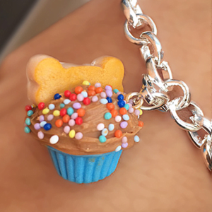 PAWsitively Sweet Bakery pupcake charm